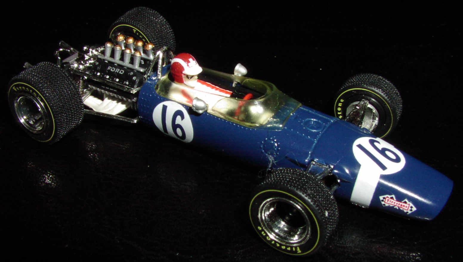 1:12 JF Créations Lotus casquets World Champion Hill 1968